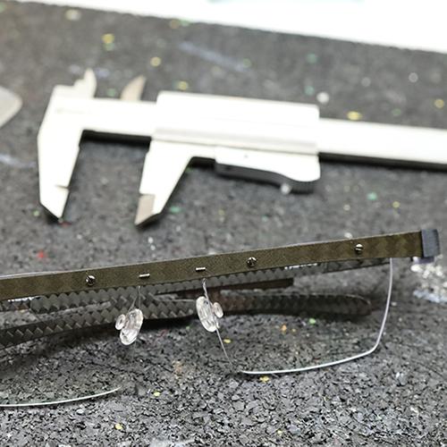 Peter Resch-Lüneburg-Manufaktur Sehen-Carbon Eyewear-Jesteburg-Brillen-Handmade Carbon Individuell- Brillenmanufaktur